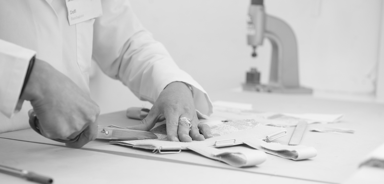 fabrication artisanale corset daum